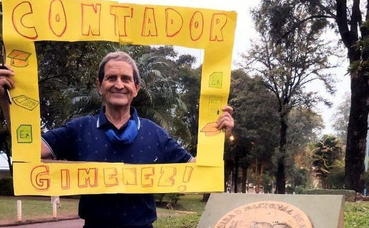 Un posadeño de 74 años se recibió de contador público en la UNaM