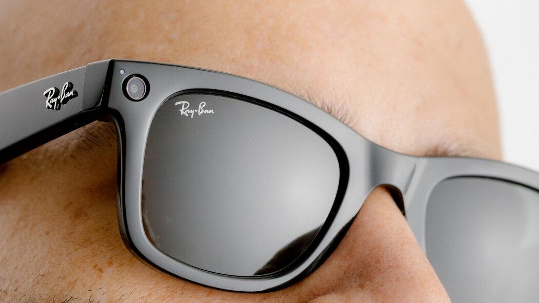 Facebook lanzó gafas inteligentes